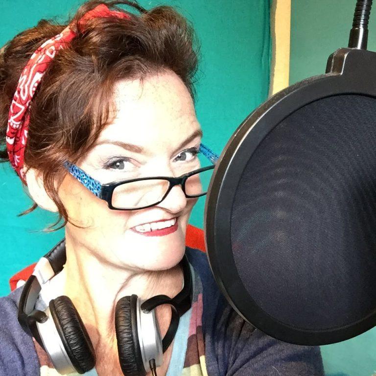 voice-over-artist-deryn-oliver