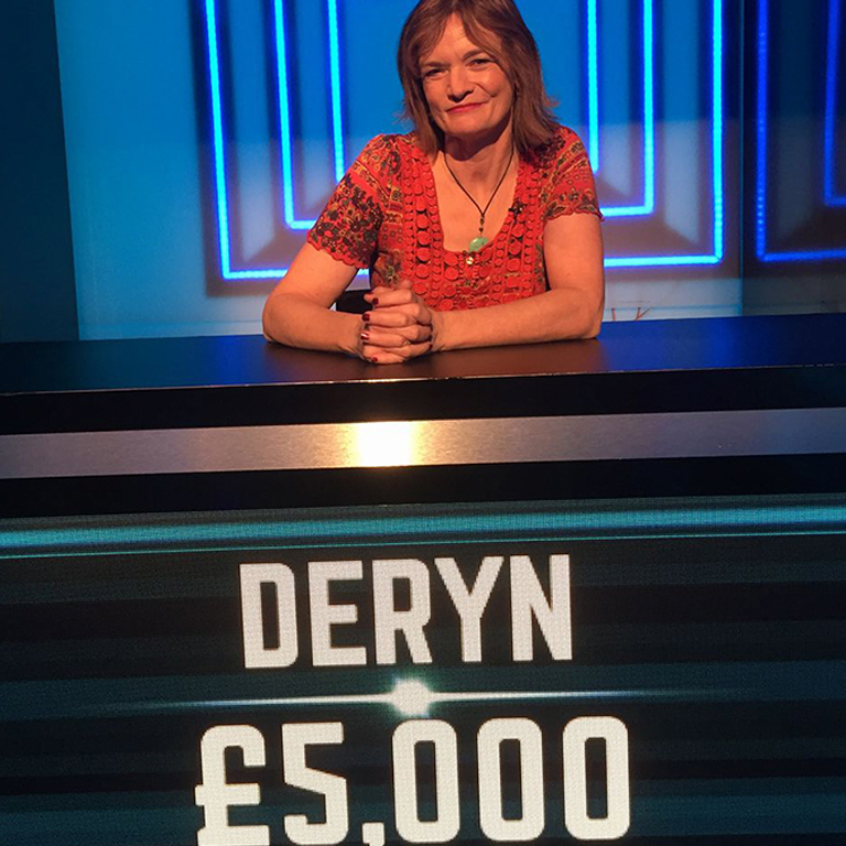 deryn-cash-trapped-02